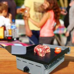 Cuisinez comme un chef grâce à ces planchas fonctionnelles et robustes pour passer d'excellents moments entre amis. De nombreux modèles de table ou sur pied que vous utiliserez à l'intérieur comme à l'extérieur. Épatez vos convives en leur concoctant de bonnes grillades !